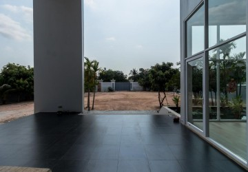 5 Bedroom Villa For Rent - Svay Thom, Siem Reap thumbnail