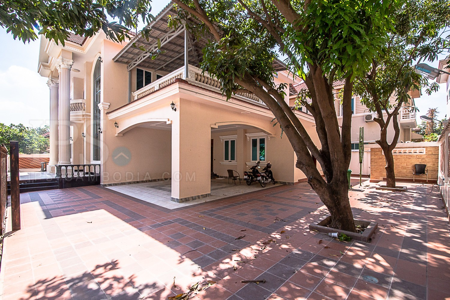 7 Bedroom Villa  For Rent in Tonle Bassac, Phnom Penh