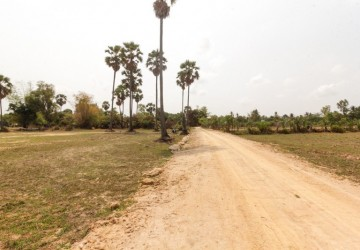 2,500 sq.m. Land For Sale - Sra Ngae, Siem Reap