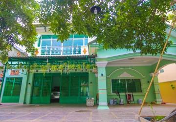 3 Bedroom Villa For Rent - Boeung Tumpun, Phnom Penh
