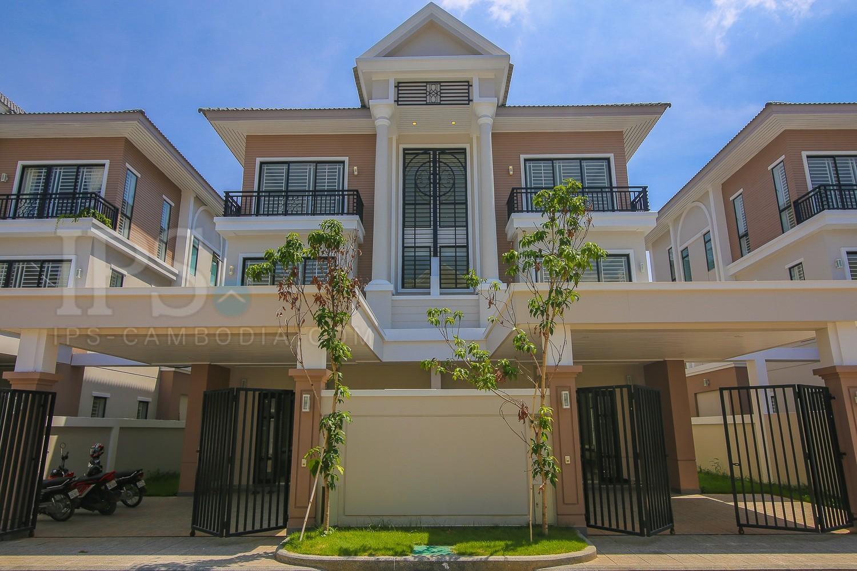 5 Bedroom Villa For Sale - Chak Angrae Kraom, Phnom Penh