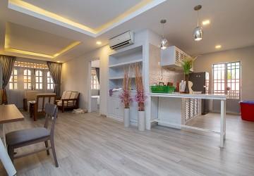 2 Bedroom Apartment For Rent - BKK 1, Phnom Penh