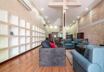 6 Bedroom House For Sale in Phnom Penh - Tonle Bassac