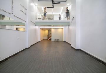 Unfurnished Commercial Shophouse for Rent - Daun Penh