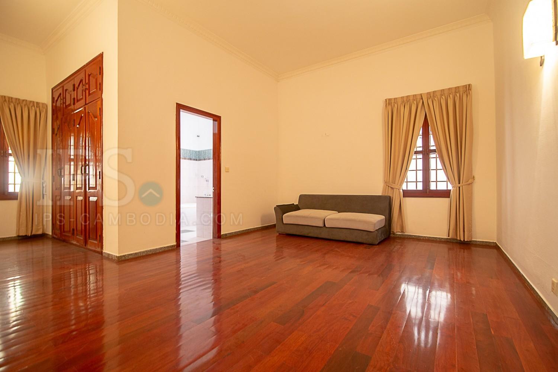 5 Bedroom Villa For Rent - Daun Penh, Phnom Penh
