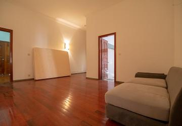 5 Bedroom Villa For Rent - Daun Penh, Phnom Penh thumbnail