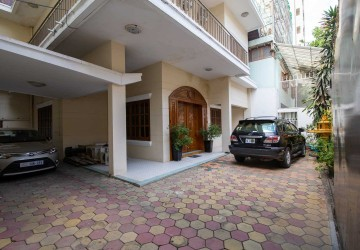 4 Bedroom Villa For Rent - Veal Vong, Phnom Penh