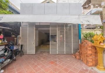 3 Bedroom Shophouse For Rent - Toul Tum Poung, Phnom Penh