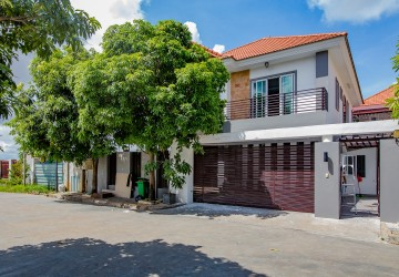 4 Bedroom Villa For Rent - Tonle Bassac, Phnom Penh