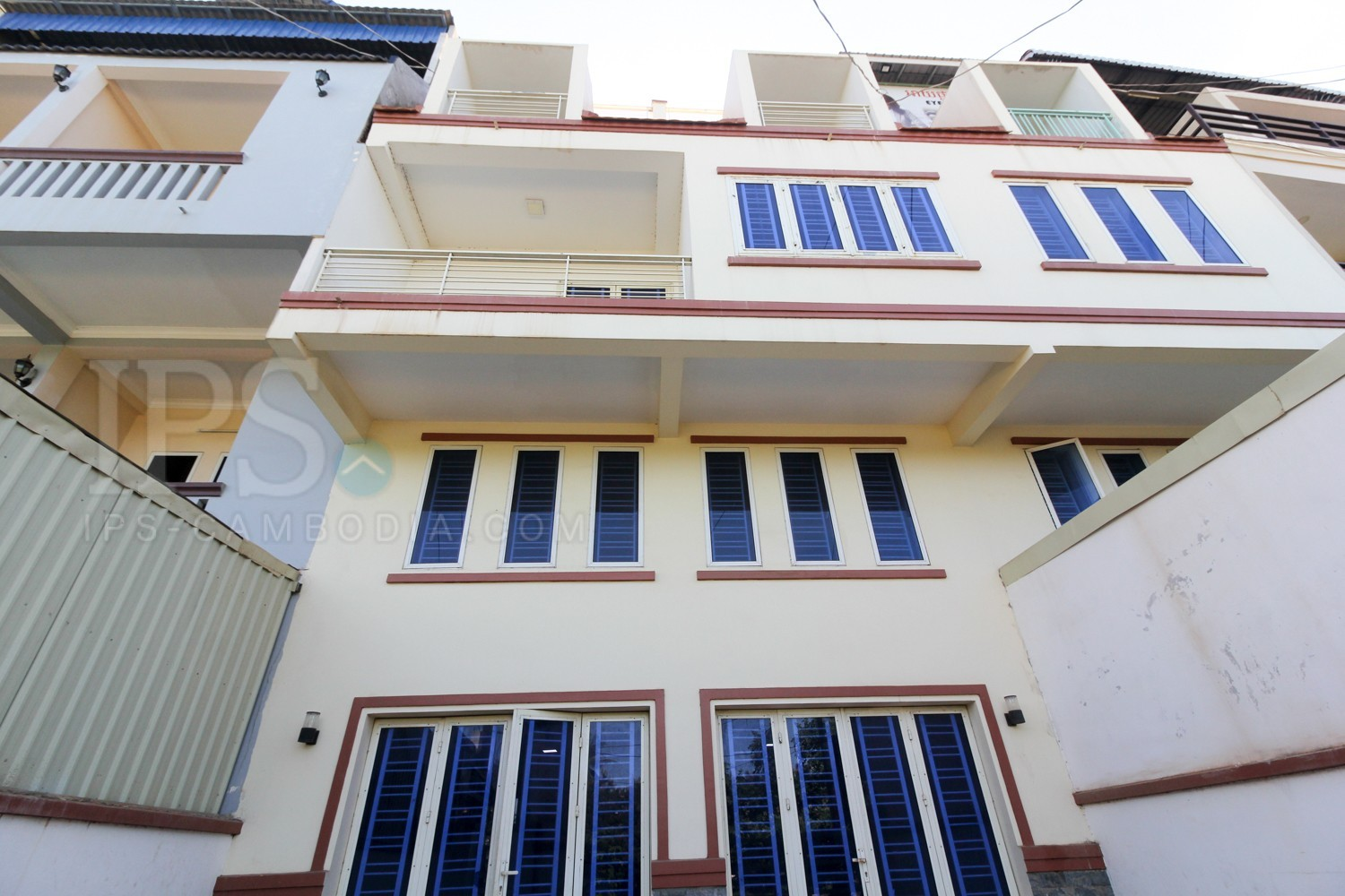 3 Bedroom Flat For Sale - Old Market / Pub Street, Siem Reap