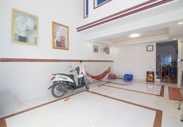 2 Bedroom Town House For Sale - Stueng Meanchey, Phnom Penh