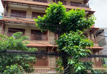 17 Unit Apartment Building For Sale - BKK1, Phnom Penh