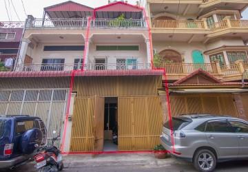 5 Bedrooms Townhouse For Sale - Toul Kork, Phnom Penh