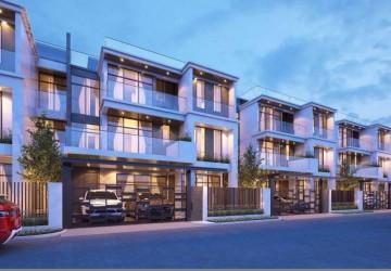 5 Bedroom Villa For Sale - Hun Sen BLVD, Phnom Penh