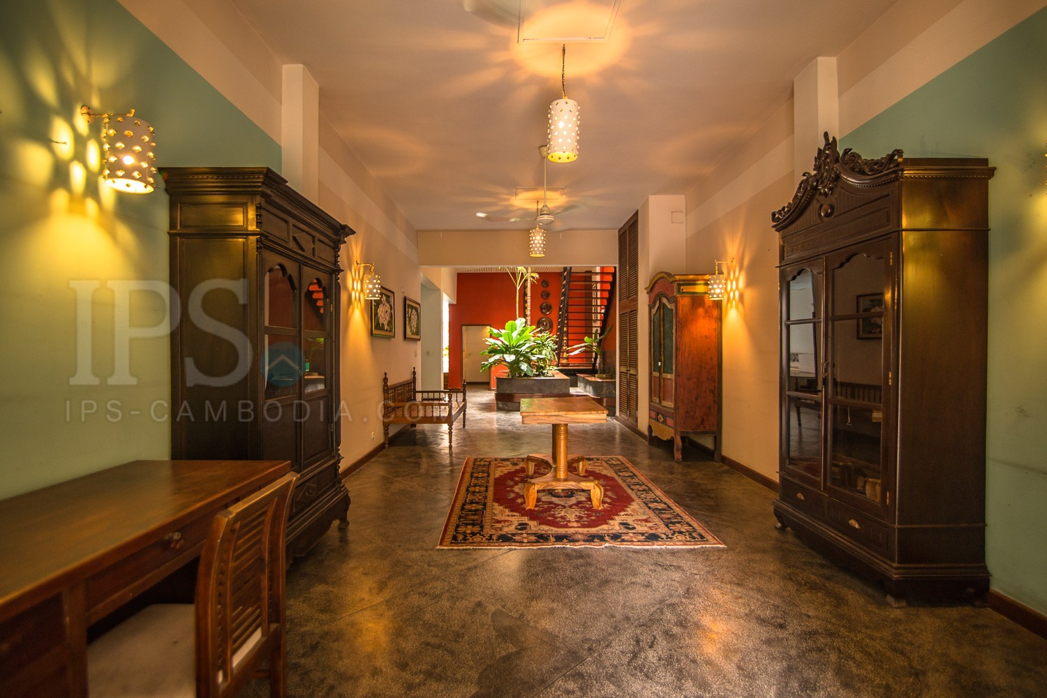 6 Bedroom Townhouse For Rent - Daun Penh, Phnom Penh