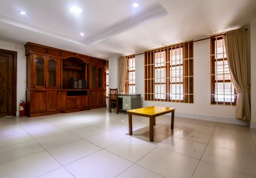 3 Bedrooms Services Apartment For Rent -  Russian Market, Phnom Penh