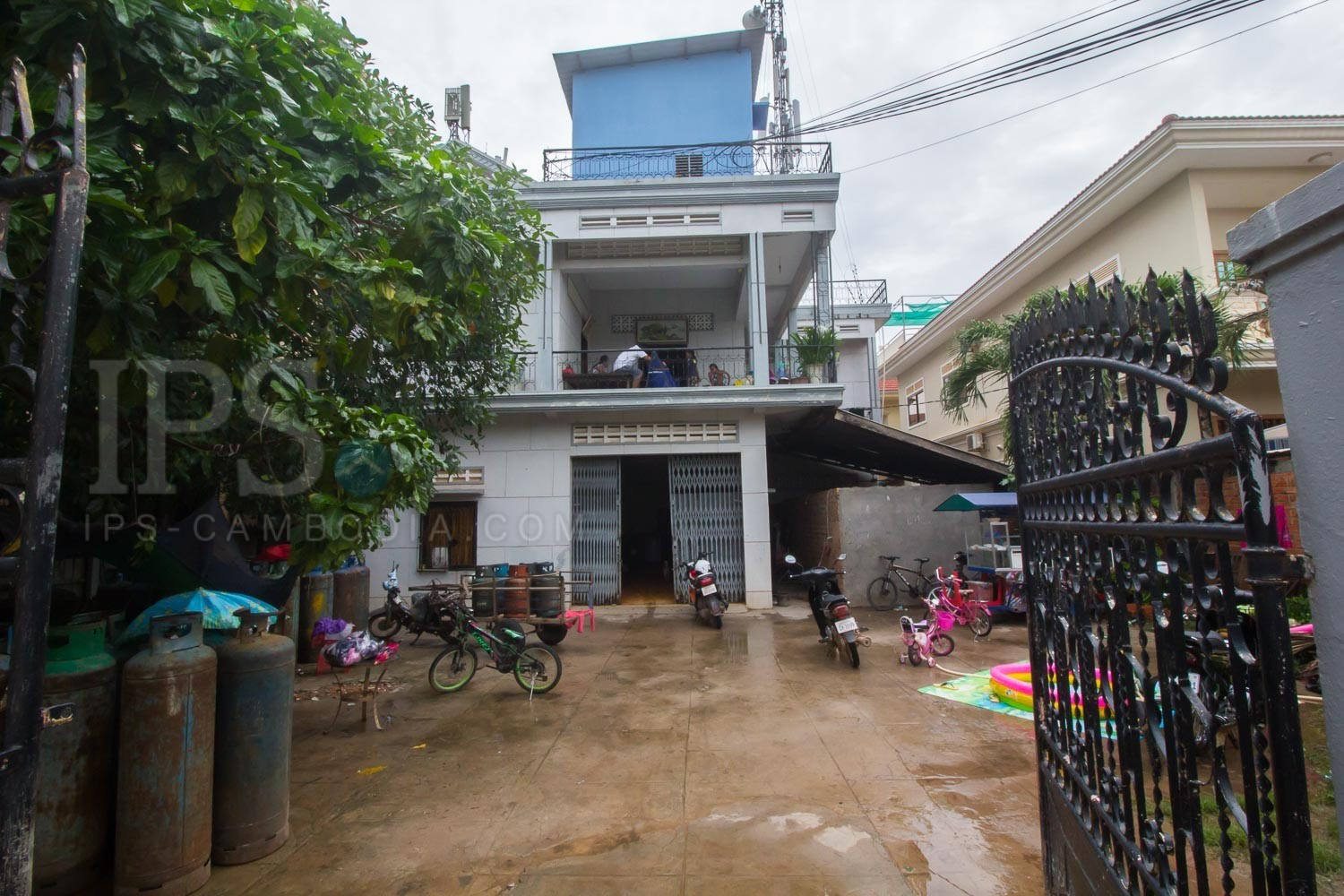 17 Room  House and Land For Rent - Svay Dangkum, Siem Reap