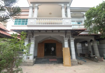 5 Bedrooms Villa For Rent - Toul Svay Prey 1 , Phnom Penh