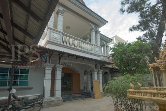 5 Bedrooms Villa For Rent - Toul Svay Prey 1 , Phnom Penh