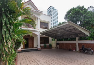 6 Bedrooms Villa For Rent - Tonle Bassac, Phnom Penh