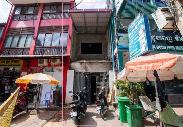 Commercial Townhouse For Rent in Wat Phnom, Phnom Penh