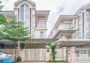 4 Bedrooms Villa For Rent - Chip Mong, Sen Sok, Phnom Penh
