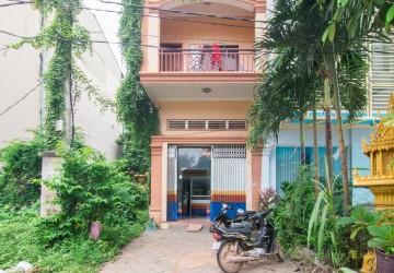 4 Bedroom Apartment For Sale - Slor Kram, Siem Reap