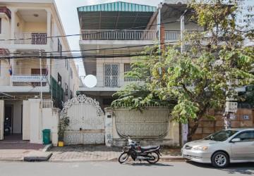 4 Bedroom House For Sale - Daun Penh, Phnom Penh