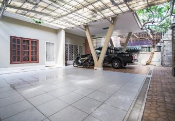 3 Bedroom Villa For Rent - 7 Makara, Phnom Penh