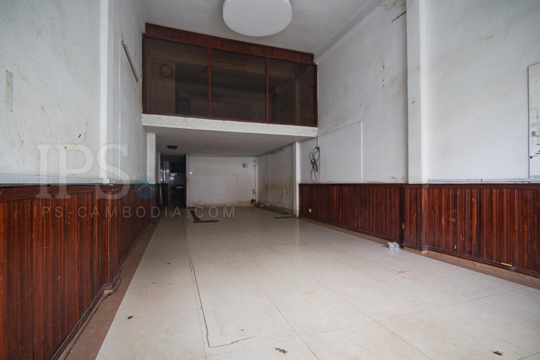 4 Bedrooms Apartment For Sale - BKK1, Phnom Penh