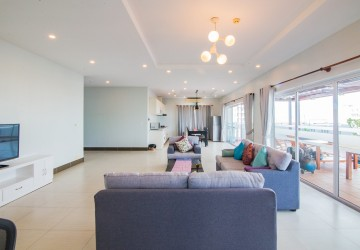 3 Bedroom Penthouse For Rent - Phsar Daem Thkov