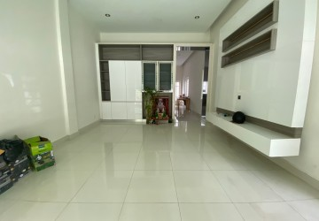 4 Bedroom Shophouse For Rent - Nirouth, Phnom Penh