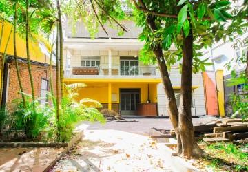 4 Bedroom Commercial Villa For Rent - BKK1, Phnom Penh