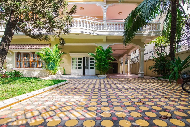 5 Bedrooms Villa For Rent - BKK1 , Phnom Penh