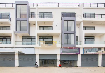 5 Bedrooms Shophouse For Sale - Chak Angrae Kraom, Phnom Penh
