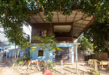 4 Bed Rooms Wooden House  For Rent in Svay Dangkum, Siem Reap