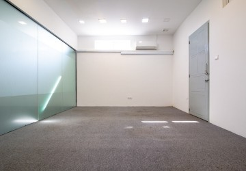 78 Sqm Office Space For Rent - BKK1, Phnom Penh