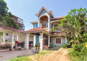 5 Bedrooms Villa For Rent - Svay Dangkum, Siem Reap