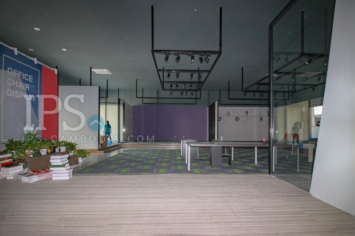 384 Sqm Commercial Showroom For Rent - Boeung Trabek, Phnom Penh