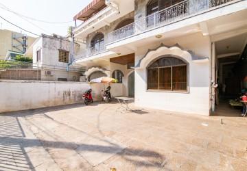 7 Bedroom Commercial Villa For Rent - Daun Penh, Phnom Penh