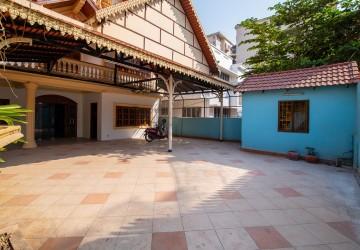 10 Bedroom House For Sale - Veal Vong, Phnom Penh