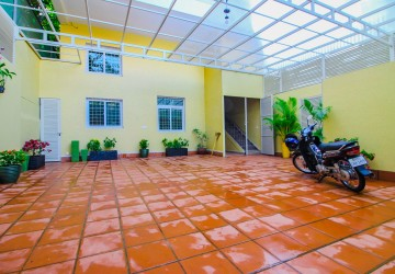 7 Bedroom Townhouse For Rent - Tonle Bassac, Phnom Penh