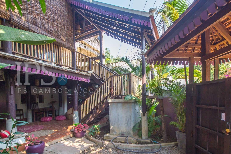 5 Bedroom Wooden House and Land For Sale - Sala Kamreuk, Siem Reap