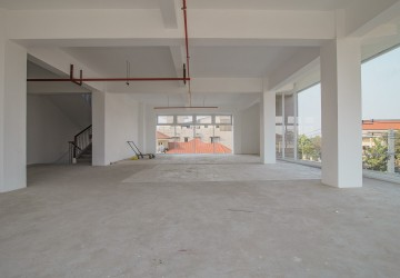 895 Sqm Commercial Office For Rent - Chak Angrea Area, Phnom Penh