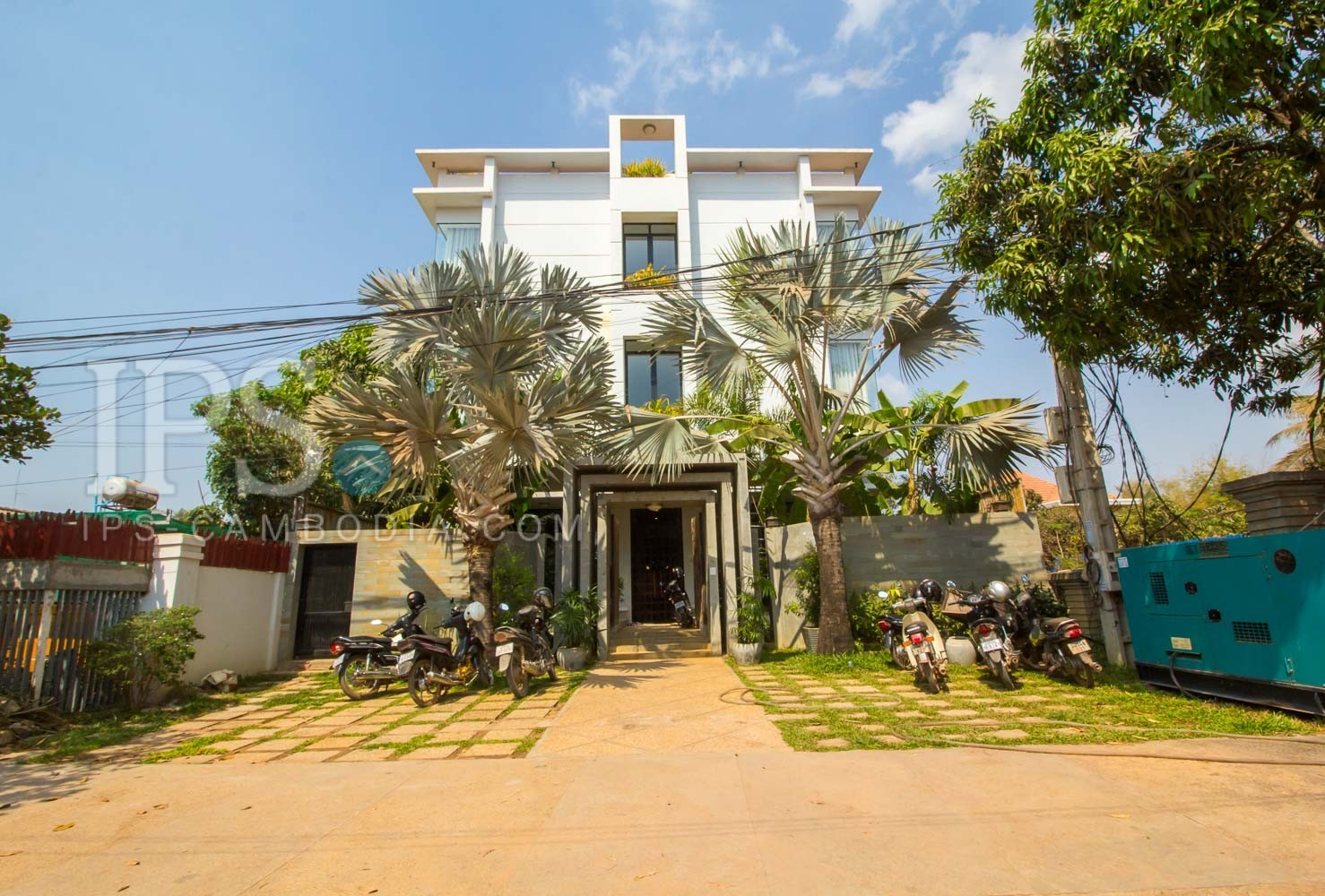 16 Room Hotel For Rent - Svay Dangkum, Siem Reap