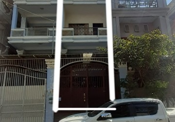 4 Bedroom Town house For Sale - Toul Tum Poung 2, Phnom Penh