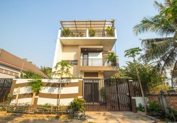 6 Bedroom House  For Sale - Svay Dangkum, Siem Reap