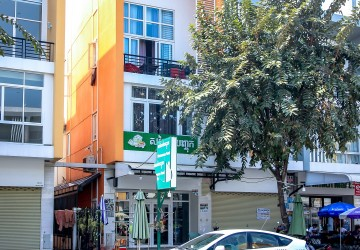 4 Bedroom Shophouse For Sale - Nirouth, Phnom Penh