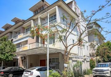 4 Bedroom Link House For Rent - Toul Kork, Phnom Penh