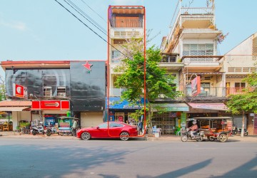 5 Bedroom Shophouse For Sale - Sisowat Quay, Phnom Penh